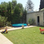 A louer villa meublée avec un grand jardin à Carthage