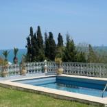 A louer Villa meublée vue sur mer avec piscine