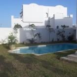 A louer villa avec piscine sur deux niveaux