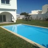A louer villa toute neuve avec piscine