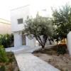 A louer villa sur 3 niveaux avec jardin