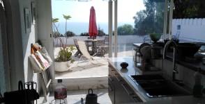 A louer appartement de charme avec terrasse vue mer