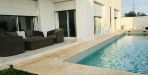 A vendre une villa haut standing avec piscine