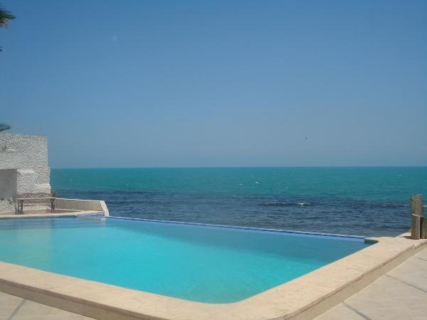 a louer villa pieds dans l eau carthage housing immo tunisie agence immobili re la marsa. Black Bedroom Furniture Sets. Home Design Ideas