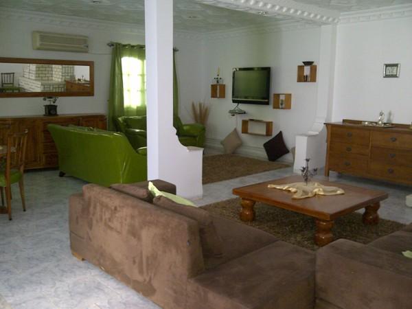 a louer rez de chauss de villa richement meubl housing immo tunisie agence immobili re la. Black Bedroom Furniture Sets. Home Design Ideas