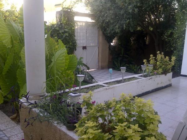 a louer rez de chauss e de villa meubl avec jardin housing immo tunisie agence immobili re. Black Bedroom Furniture Sets. Home Design Ideas