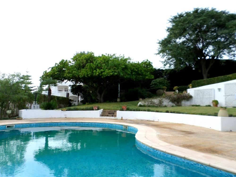 A louer appartement avec vue sur mer et piscine housing for Appartement a louer a sidi bouzid avec piscine