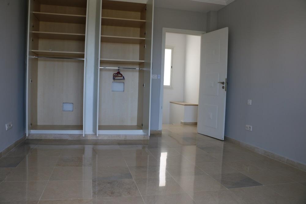 A louer duplex avec piscine housing immo tunisie for Appartement a louer a sidi bouzid avec piscine